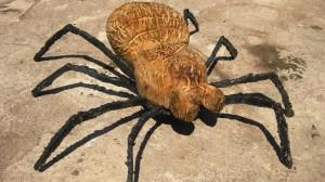Schnitzerei Spinne